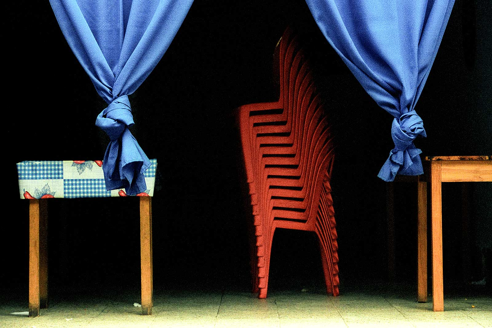 07-008_chairs2